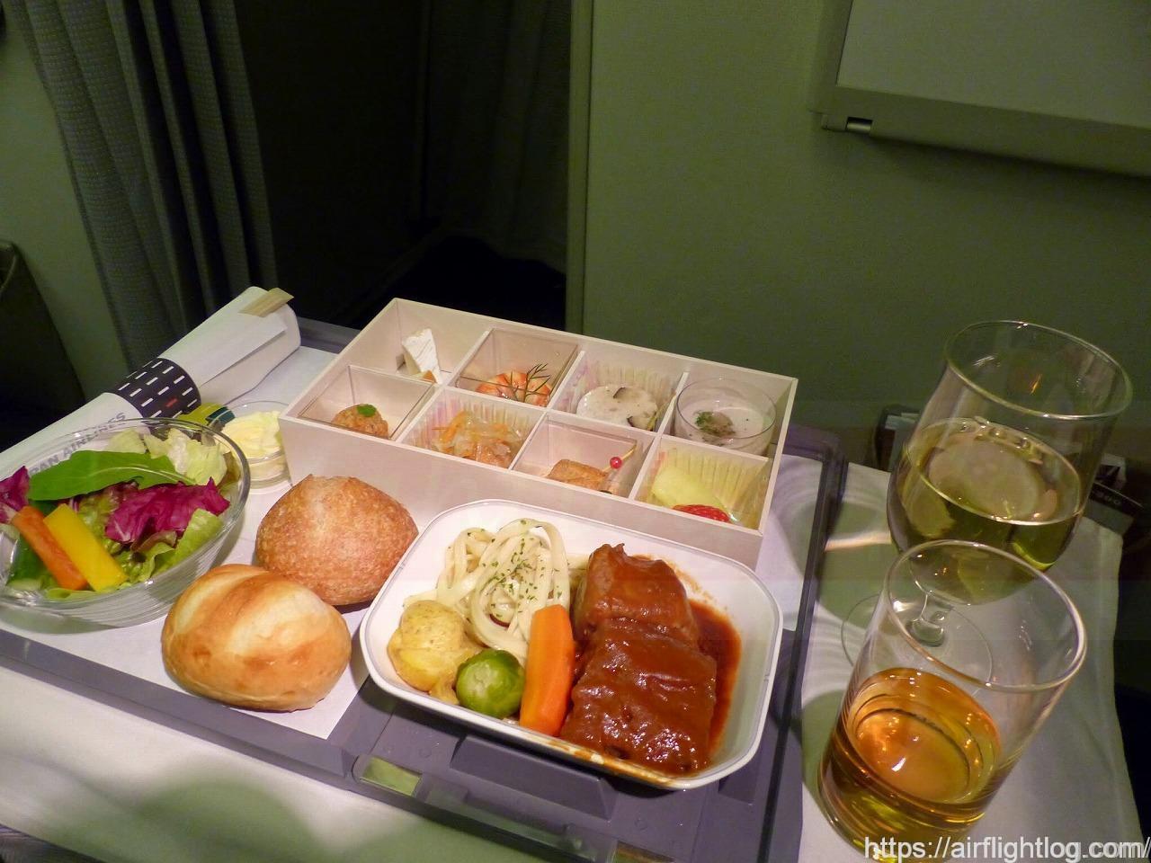 香港線ビジネスクラス機内食