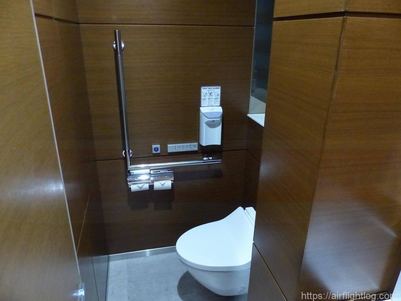 ビューカードゴールドラウンジ トイレ