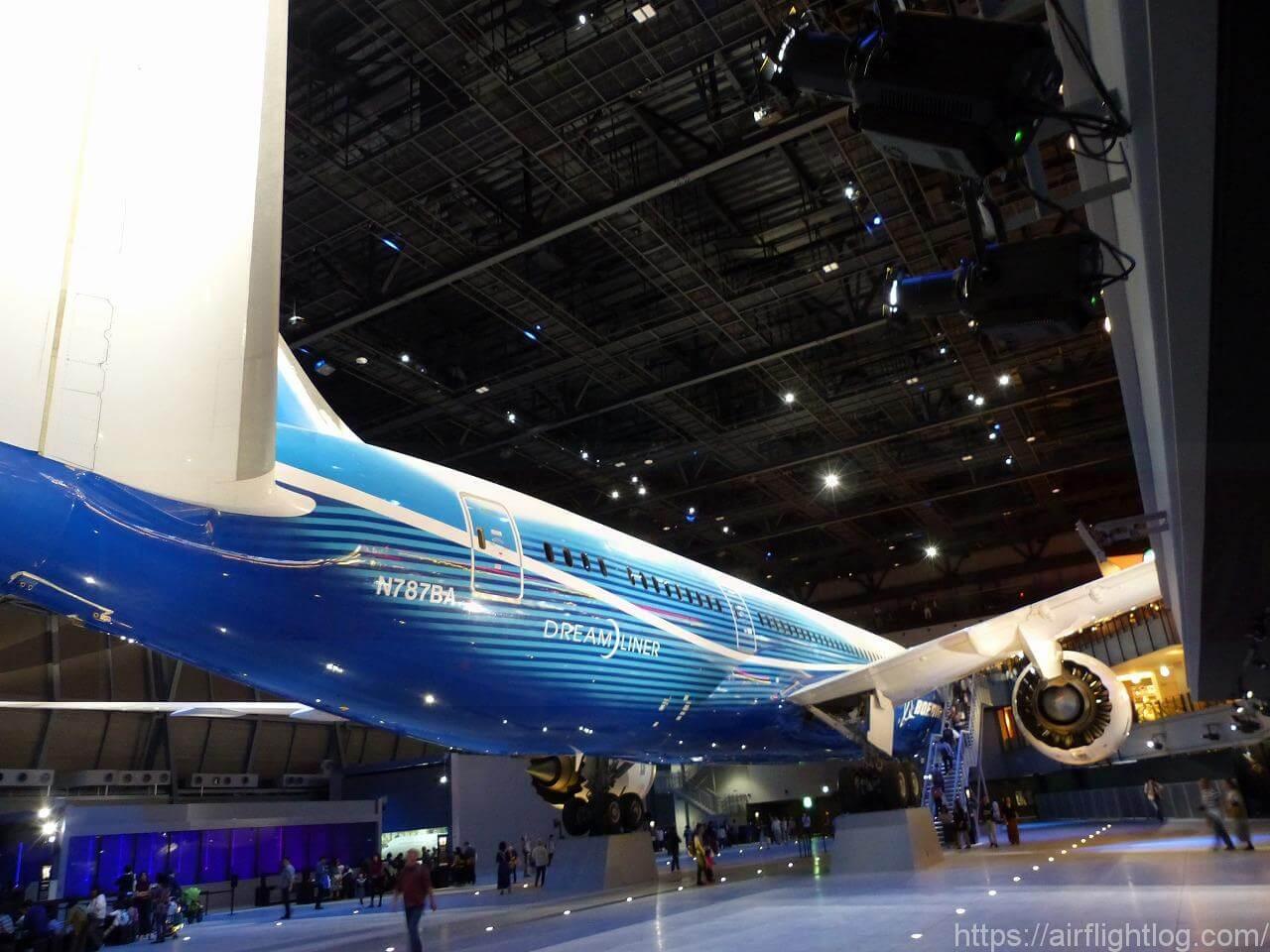 「FLIGHT OF DREAMS(フライト・オブ・ドリームズ)」ボーイング787初号機後ろから