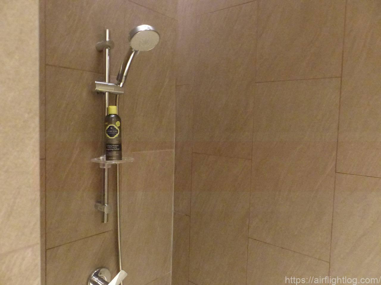 ホテル ニッコー・バンコク「フィットネスセンター」シャワールーム