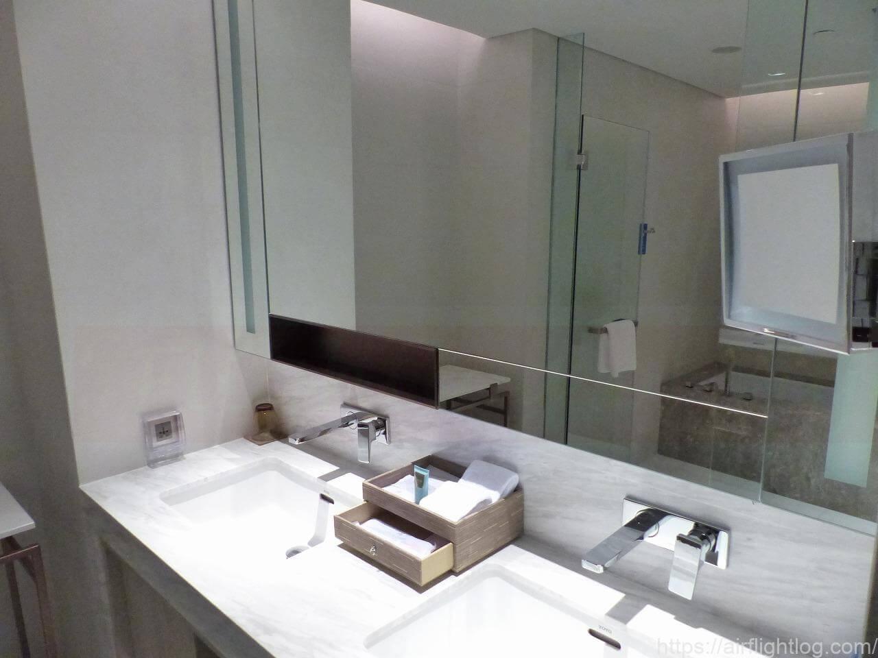 ホテル ニッコー・バンコク「プレミアルーム」客室(ウエットエリア/洗面台)
