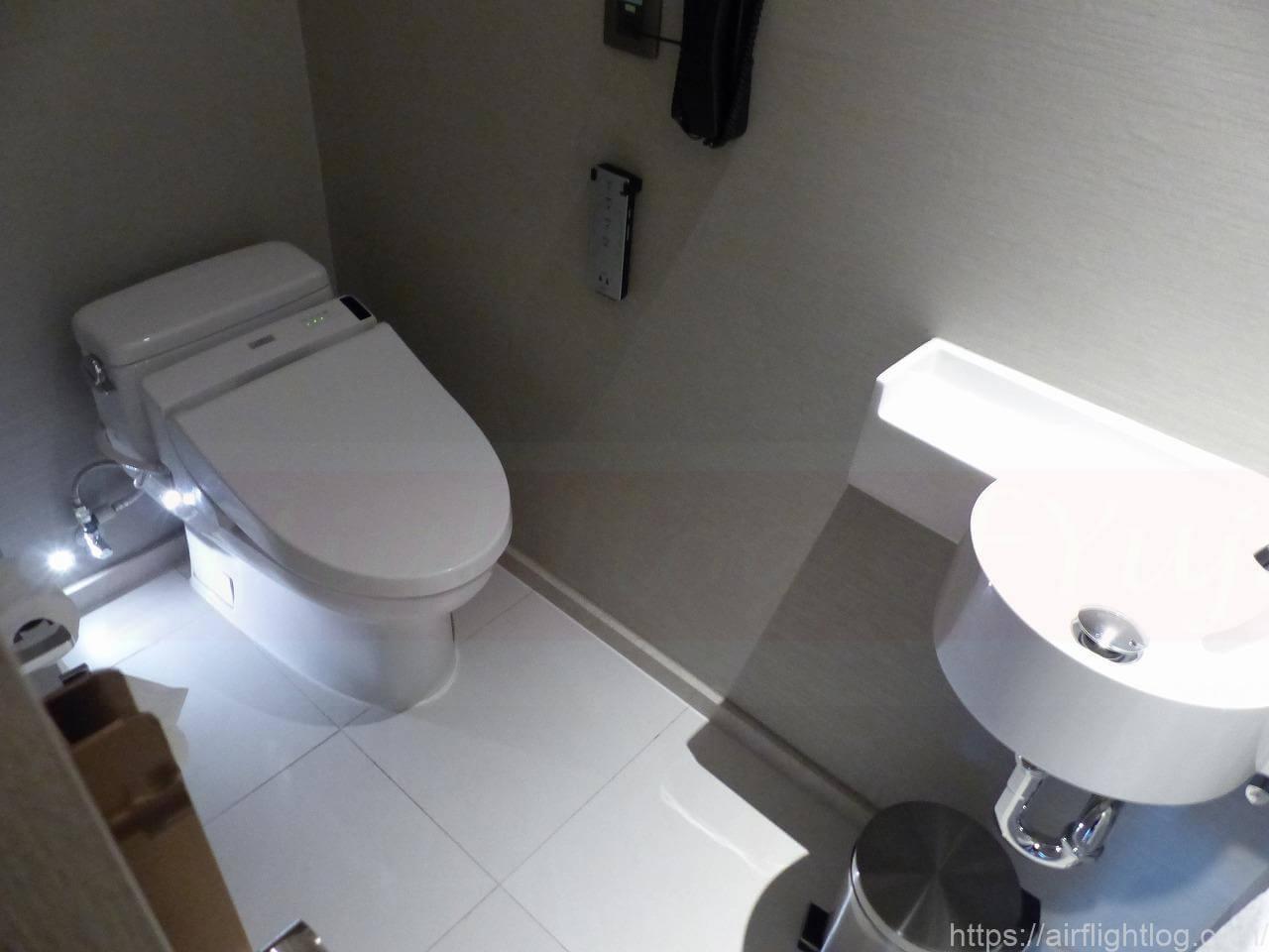 ホテル ニッコー・バンコク「プレミアルーム」客室(トイレ)