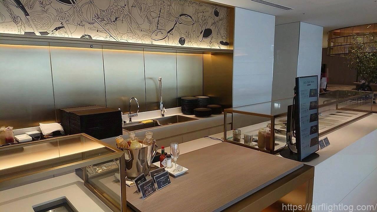 JAL成田空港ファーストクラスラウンジ「JAL's Table」カウンター