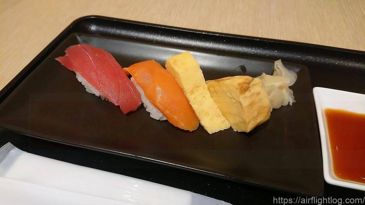 JAL成田空港ファーストクラスラウンジ「鮨 鶴亭(SUSHI TSURUTEI)」お寿司