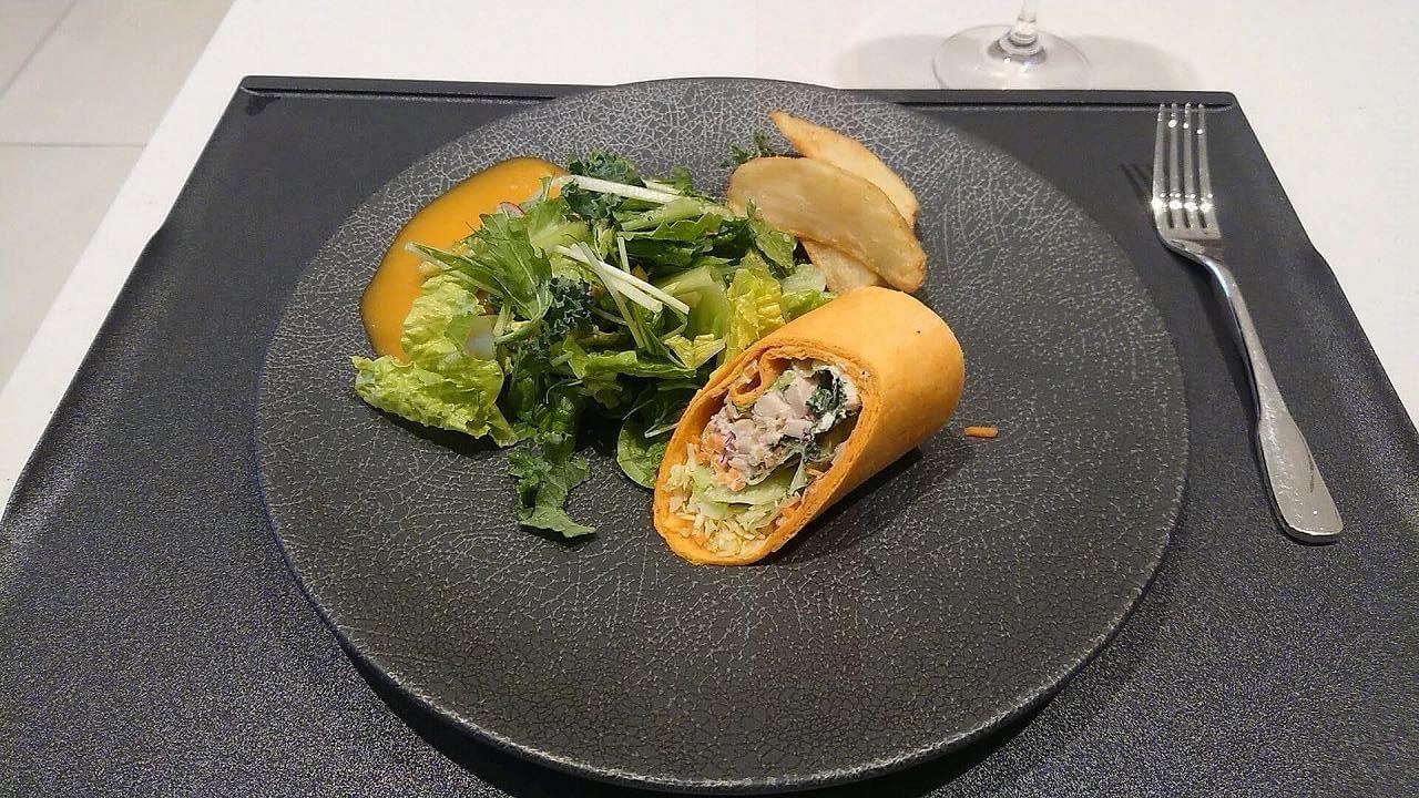 JAL成田空港ファーストクラスラウンジ「JAL's Table」昼食サンドイッチプレート