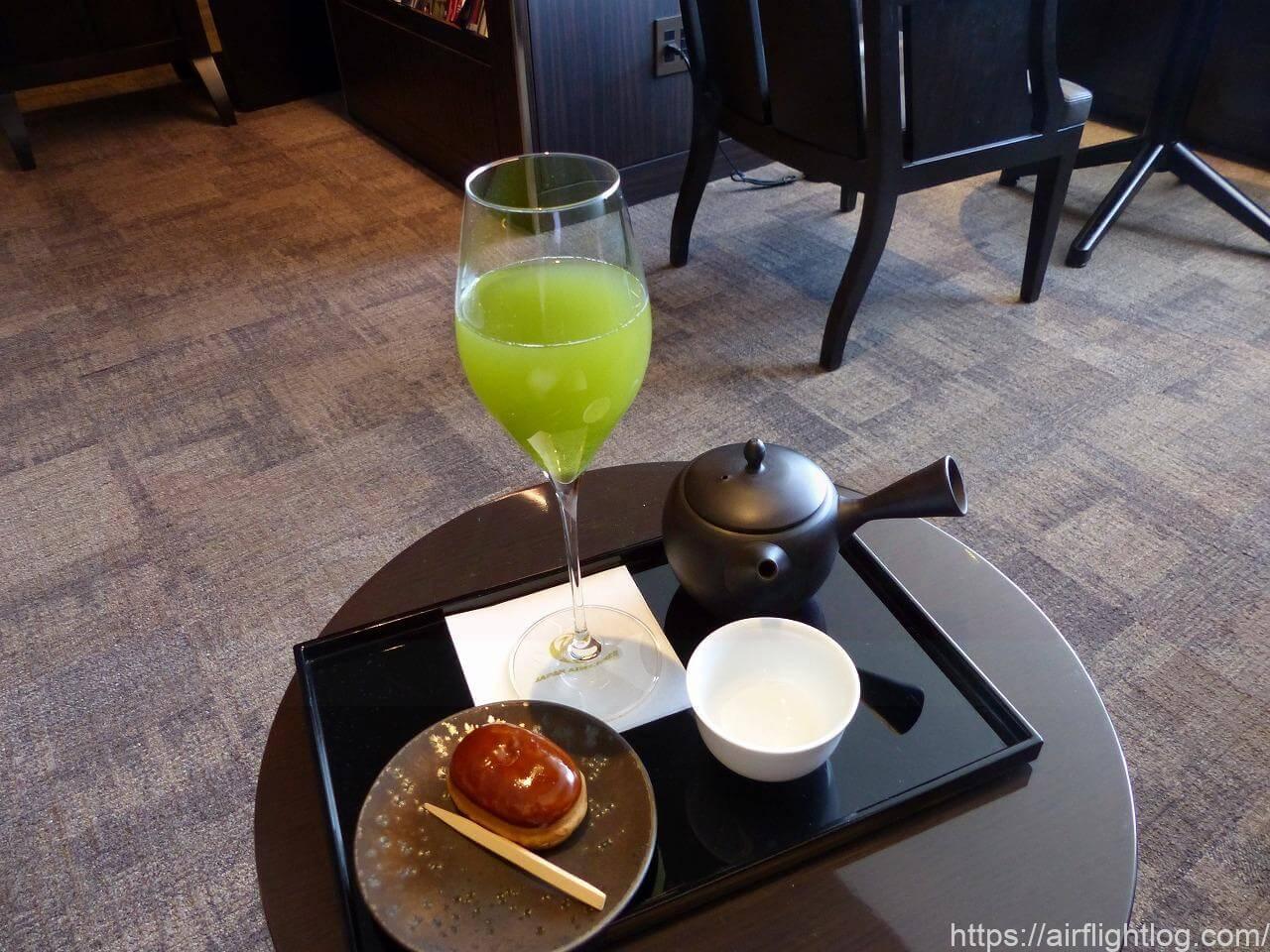 JAL成田空港ファーストクラスラウンジ「JAL's salon」お茶&茶菓子