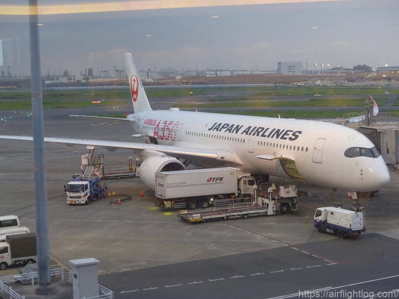 JALエアバスA350-900初号機