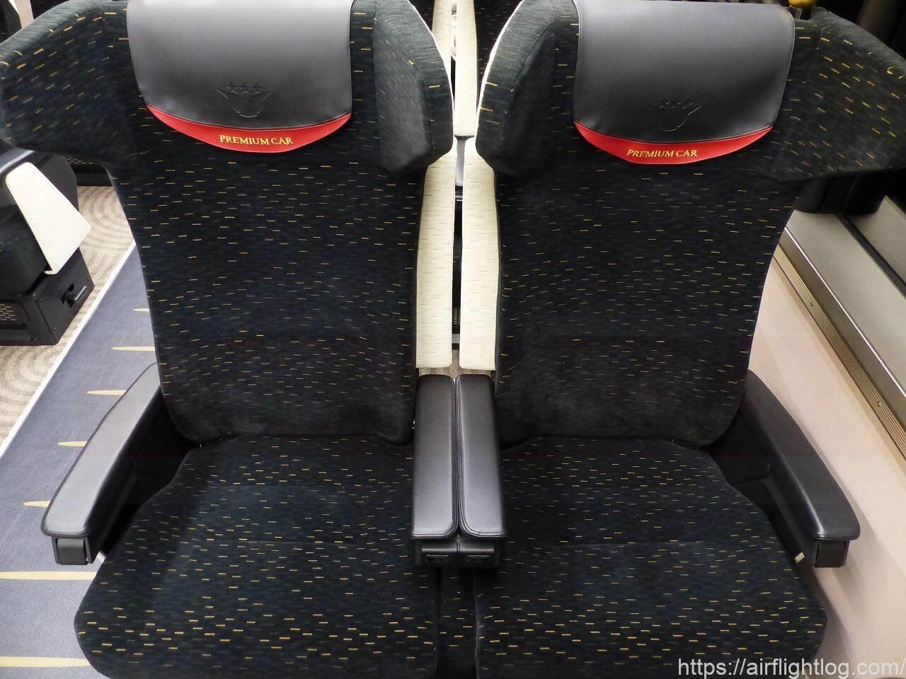 京阪3000系プレミアムカー座席